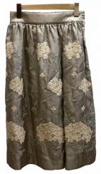 nesessaire(ネセセア)の古着「刺繍スカート」