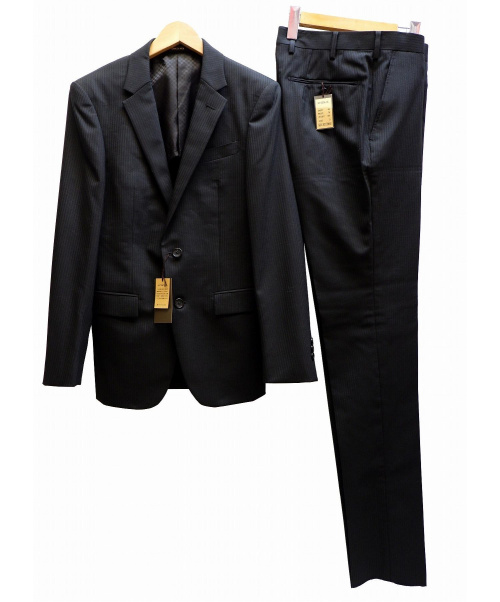 COMME CA MEN(コムサメン)COMME CA MEN (コムサメン) 2Bスーツ ブラック サイズ:表記サイズ:S 未使用品 ストライプ 定価69.000+TAXの古着・服飾アイテム