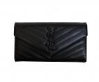 Saint Laurent Paris(サンローランパリ)の古着「キルティングフラップ長財布」 ブラック