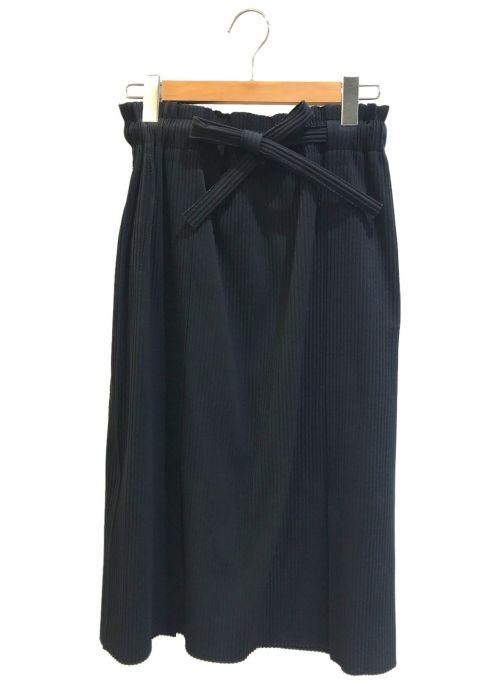 me ISSEY MIYAKE(ミー イッセイミヤケ)me ISSEY MIYAKE (ミー イッセイミヤケ) プリーツロングスカート ブラック サイズ:表記なしの古着・服飾アイテム
