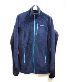 Patagonia(パタゴニア)の古着「R2フリースジャケット」|ネイビー