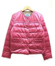 PRADA(プラダ)の古着「ノーカラーダウンジャケット」|ピンク
