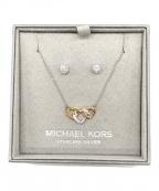 MICHAEL KORS(マイケルコース)の古着「トリプルハートネックレス&ピアス」|シルバー×ゴールド