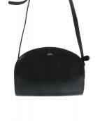 A.P.C(アーペーセー)の古着「型押しハーフムーンショルダーバッグ」|ブラック