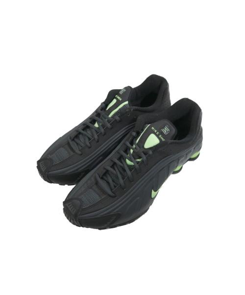 NIKE(ナイキ)NIKE (ナイキ) ローカットスニーカー ブラック×グリーン サイズ:28 104265-055 SHOX R4 ANTHRACITE/GHOST GREEN/BLACKの古着・服飾アイテム