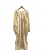 KiiRA(キーラ)の古着「スモッキングタックワンピース」|ベージュ