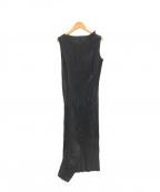 ISSEY MIYAKE(イッセイミヤケ)の古着「デザインプリーツノースリーブワンピース」|ブラック
