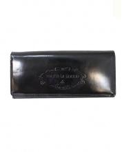 FRUTTI DI BOSCO(フルッティディボスコ)の古着「エンボスロゴエナメル長財布」 ブラック