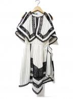 SELF PORTRAIT(セルフ ポートレイト)の古着「ノースリーブワンピース」|ホワイト