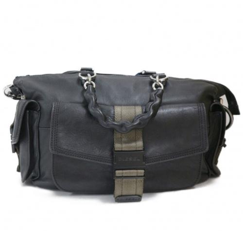 DIESEL(ディーゼル)DIESEL (ディーゼル) ミスマッチレザーショルダーバッグ ブラック MISS MATCH CROSSBODY X05599の古着・服飾アイテム