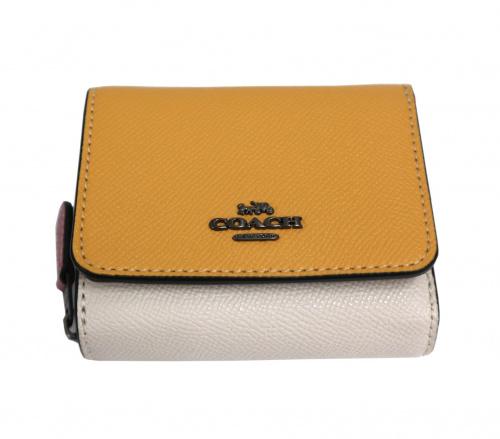 COACH(コーチ)COACH (コーチ) 3つ折り財布 イエロー 2923の古着・服飾アイテム