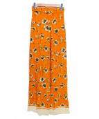 ERIKA CAVALLINI(エリカ カヴァリーニ)の古着「フラワープリントパンツ」|オレンジ