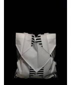 ISSEY MIYAKE me(イッセイミヤケ ミー)の古着「デザイントートバッグ」|ブラック×ホワイト