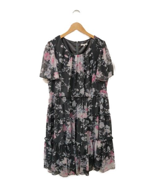 TO BE CHIC(トゥービーシック)TO BE CHIC (トゥービーチック) ティアードフレアワンピース グレー サイズ:46の古着・服飾アイテム