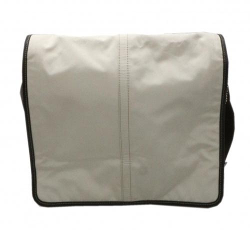 COACH(コーチ)COACH (コーチ) ショルダーバッグ ホワイト 05300の古着・服飾アイテム