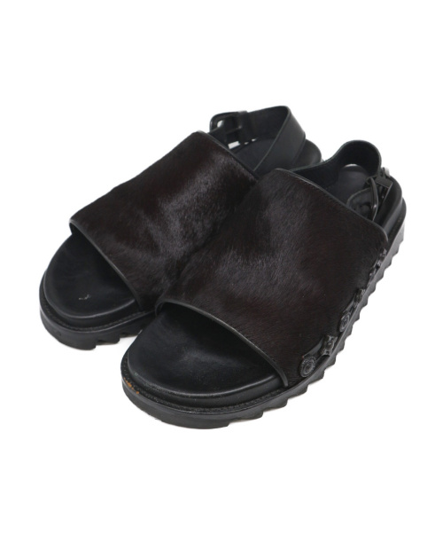 TOGA VIRILIS(トーガヴィリリース)TOGA VIRILIS (トーガヴィリリース) ハラコバックルデザインサンダル ブラック サイズ:40 AJ788の古着・服飾アイテム