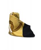 HERMES(エルメス)の古着「カレ90」|ゴールド×ブラック