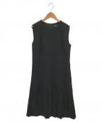 theory()の古着「クラシッククレープピンタックドレス」|ブラック