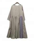 BEARDSLEY(ビアズリー)の古着「刺繍ギャザーワンピース」 ベージュ