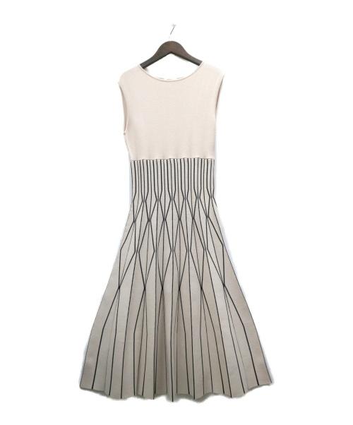 FRAY ID(フレイアイディー)FRAY ID (フレイアイディー) ダイヤプリーツニットワンピース ホワイト×ブラック サイズ:Fの古着・服飾アイテム