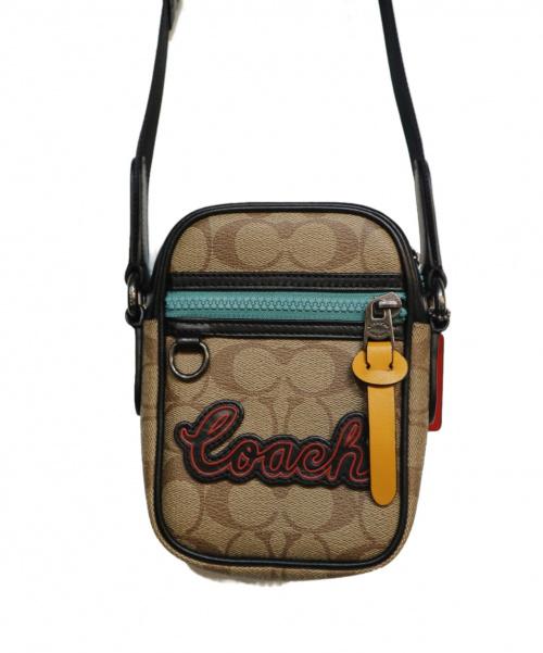 COACH(コーチ)COACH (コーチ) ショルダーバッグ ベージュ シグネチャー F72930の古着・服飾アイテム
