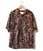 PUBLIC TOKYO(パブリックトウキョウ)の古着「グラフィカルハーフスリーブオープンカラー開襟アロハシャツ」|ネイビー×オレンジ