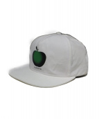 Supreme(シュプリーム)の古着「アップル5パネルキャップ」 ホワイト