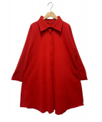 me ISSEY MIYAKE(ミーイッセイミヤケ)の古着「プリーツロングシャツ」|レッド