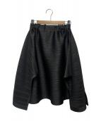 PLEATS PLEASE(プリーツプリーズ)の古着「変形プリーツスカート」|ブラック