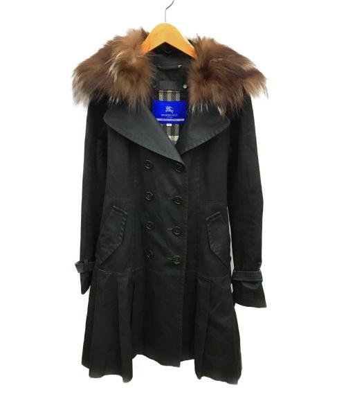 BURBERRY BLUE LABEL(バーバリーブルーレーベル)BURBERRY BLUE LABEL (バーバリーブルーレーベル) ラクーンファー付トレンチコート ブラック サイズ:38の古着・服飾アイテム