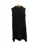me ISSEY MIYAKE(ミー イッセイ ミヤケ)の古着「ベロア装飾シワ加工ノースリーブワンピース」|ブラック