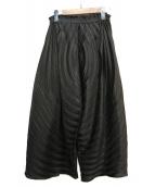 ISSEY MIYAKE(イッセイミヤケ)の古着「プリーツワイドパンツ」 ブラック