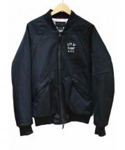 NIKE(ナイキ)の古着「WINGS COF MA-1 JACKET」|ブラック