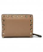 VALENTINO GARAVANI(ヴァレンティノ ガラヴァーニ)の古着「ROCKSTUDS三つ折り財布」|ベージュ