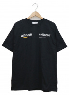 AMBUSH×AMAZON(アンブッシュ×アマゾン)の古着「コラボプリントTシャツ」|ブラック×ホワイト