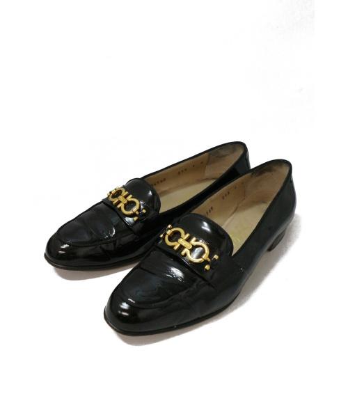 Salvatore Ferragamo(サルヴァトーレ フェラガモ)Salvatore Ferragamo (サルヴァトーレフェラガモ) ヒールパンプス ブラック サイズ:7 イタリア製の古着・服飾アイテム