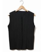 PLEATS PLEASE(プリーツプリーズ)の古着「鈴ボタンプリーツブラウス」|ブラック