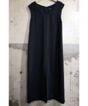 agnes b(アニエスベー)の古着「センタースリットノースリーブワンピース」|ブラック