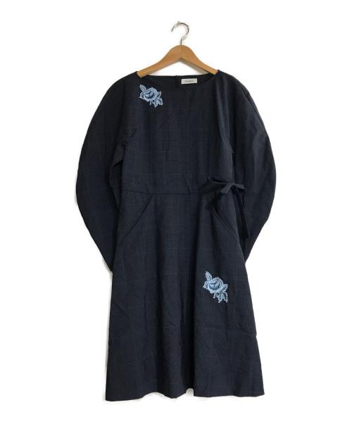 MAX&Co.(マックスアンドコー)MAX&Co. (マックスアンドコー) 刺繍ブラウスワンピース ネイビー サイズ:36 花柄刺繍 チェック ひざ丈の古着・服飾アイテム