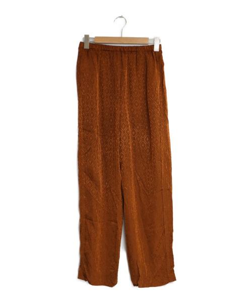 6(ROKU) BEAUTY&YOUTH(ロクビューティーアンドユース)6(ROKU) BEAUTY&YOUTH (ロク ビューティアンドユース) サテンパンツ ブラウン サイズ:38 イージーパンツ パンツの古着・服飾アイテム