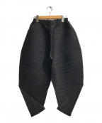 PLEATS PLEASE(プリーツプリーズ)の古着「シッカーバウンス横プリーツパンツ」|ブラック