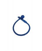 BOTTEGA VENETA(ボッテガベネタ)の古着「イントレーチャートレザーブレスレット」|ブルー