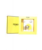 FENDI(フェンディ)の古着「ABClick letter R key charm」