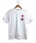 PLAY COMME des GARCONS(プレイコムデギャルソン)の古着「ラインストーンハートマークTシャツ」|ホワイト