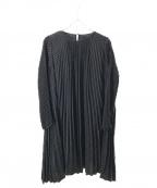Snidel(スナイデル)の古着「サテンプリーツドットワンピース」|ブラック