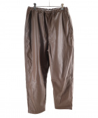 H BEAUTY&YOUTH()の古着「FAKE LEATHER VACANT EASY PANTS」|ブラウン