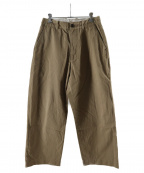 UNIVERSAL PRODUCTS.(ユニバーサルプロダクツ)の古着「NO TUCK WIDE CHINO TROUSERS」 ベージュ