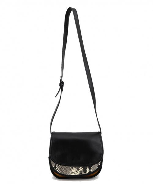 innue(イヌエ)innue (イヌエ) レザーフラップショルダーバッグ ブラック サイズ:-の古着・服飾アイテム