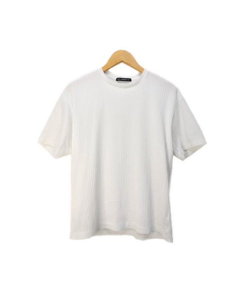 ISSEY MIYAKE(イッセイミヤケ)ISSEY MIYAKE (イッセイミヤケ) プリーツカットソー ホワイト サイズ:2 TUCKED STRIPE 20SS ME01JK096の古着・服飾アイテム