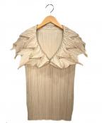 ISSEY MIYAKE FETE(イッセイミヤケフェット)の古着「襟付デザインプリーツブラウス」 ベージュ